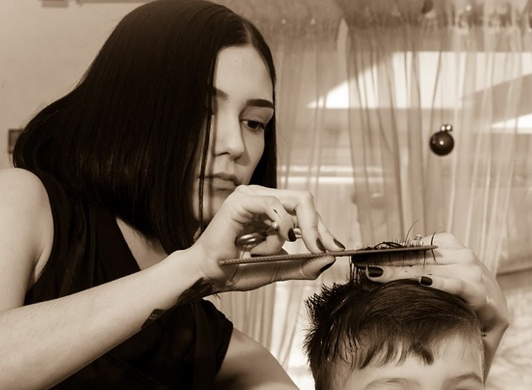 hairdresser-659145_960_720-crop1.1
